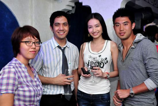 Lee Nguyễn chụp hình chung với hoa hậu thời trang Trúc Diễm.