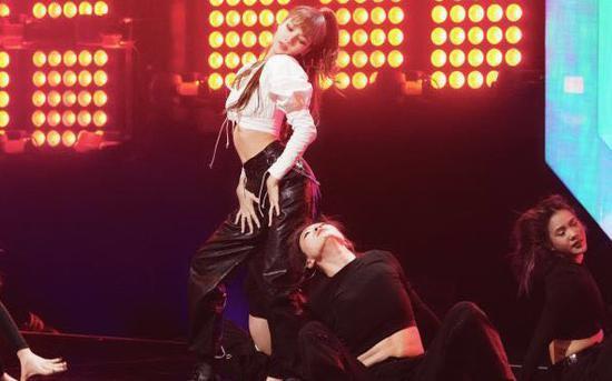 Lưu Vũ Hân được định sẵn sẽ giữ vai trò main dancer trong 'Thanh xuân có bạn 2, Thái Từ Khôn có dạy được cô nàng này hay không? ảnh 18