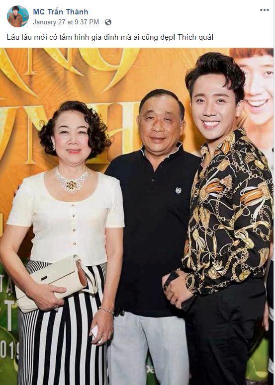 Tấm ảnh gia đình hạnh phúc tại họp báo Trạng Quỳnh.