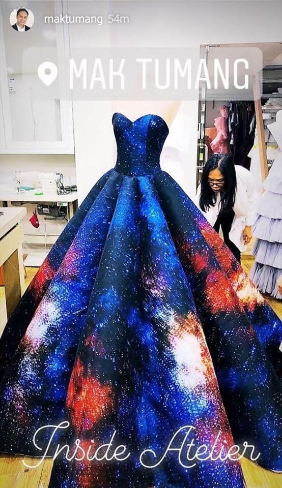 Hình ảnh hiếm hoi về chiếc váy được đồn đoán sẽ dành cho Catriona Gray trong đêm chung kết Hoa hậu Hoàn vũ Philippines 2019.