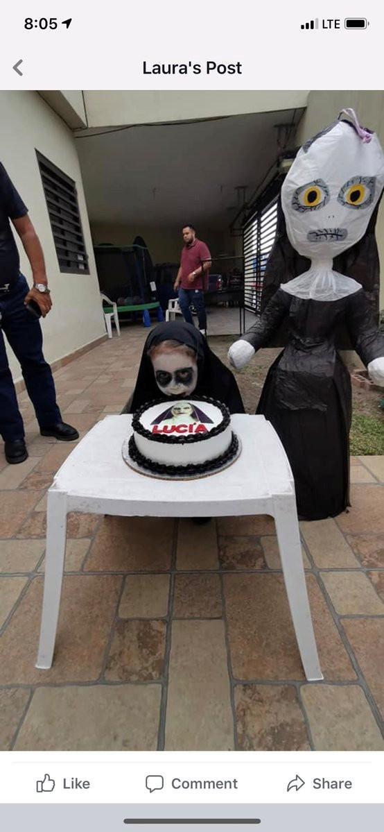 Tiệc sinh nhật để đời của fan cứng 3 tuổi chị ma Valak ảnh 2