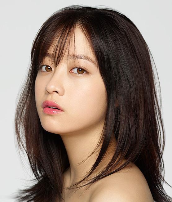 Không chỉ xinh đẹp, cô còn có giọng hát và diễn xuất tốt. Ngoài ra, Kanna còn gây dấu ấn bởi style make up trong trẻo của mình, được các cô gái Nhật Bản thi nhau bắt chước.