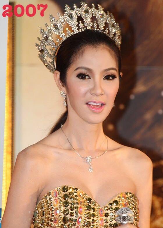Năm 2007, Thái Lan lấy lại ngôi vương khi Tanyarat Jirapatpakon vượt qua 24 thí sinh còn lại giành ngôi vị cao nhất. Bạn thân Nong Poy sở hữu vẻ ngoài nữ tính, xinh xắn.