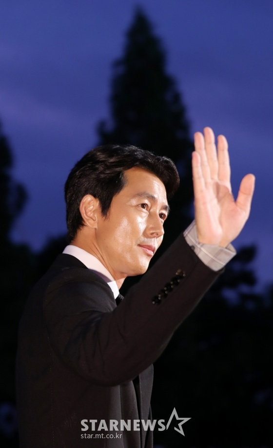 Thảm đỏ LHP Bucheon: Đọ sắc cùng loạt mỹ nhân vô danh khoe ngực, Goo Hye Sun  Lim Ji Yeon vẫn tỏa sáng ảnh 20