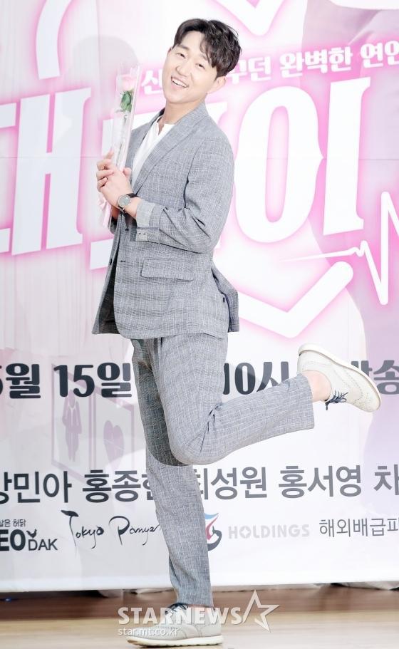 Họp báo Absolute Boyfriend: Yeo Jin Goo rạng rỡ, Minah (Girls Day)  Hong Jong Hyun thân mật quá mức ảnh 9