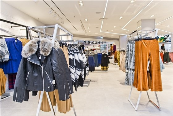 Dòng thời trang bình dân Topshop là một trong những thương hiệu được giới trẻ trên toàn thế giới vô cùng yêu thích, giờ đây đối mặt với nguy cơ phá sản