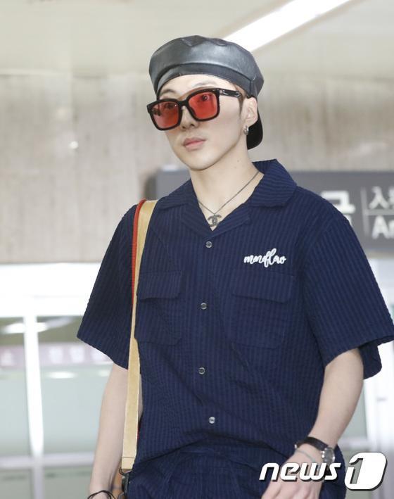 Kang Sung Yoon.