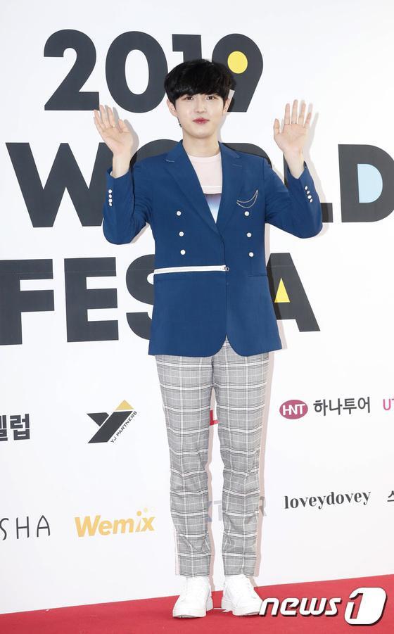 Thông qua sự kiện, anh có dịp tái hợp cùng Seong Woo.