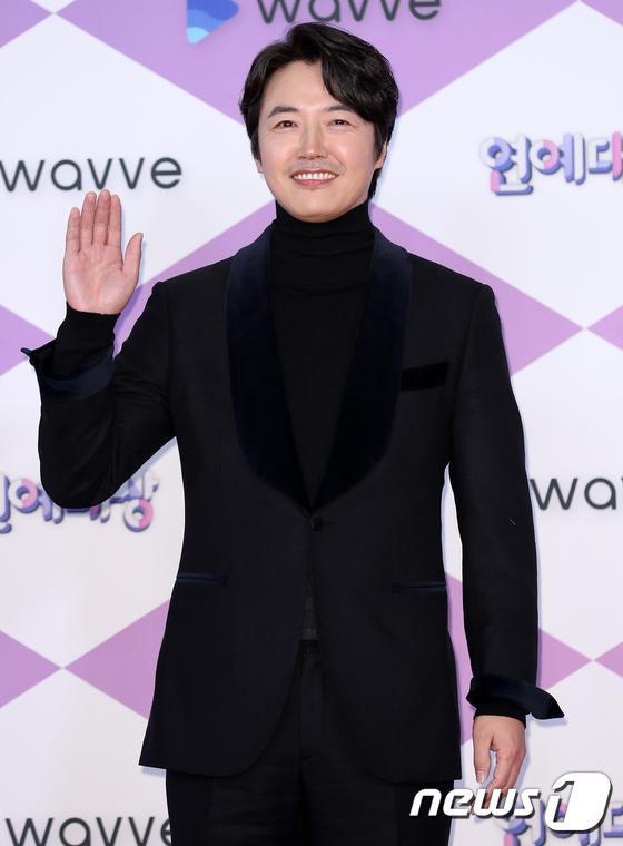 Diễn viên Yoon Sang Hyun.