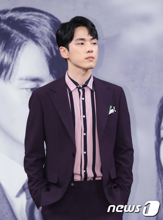 Trầm cảm nặng vì scandal với Seohyun (SNSD), Hạ cánh nơi anh đã cứu sống Kim Jung Hyun ảnh 2