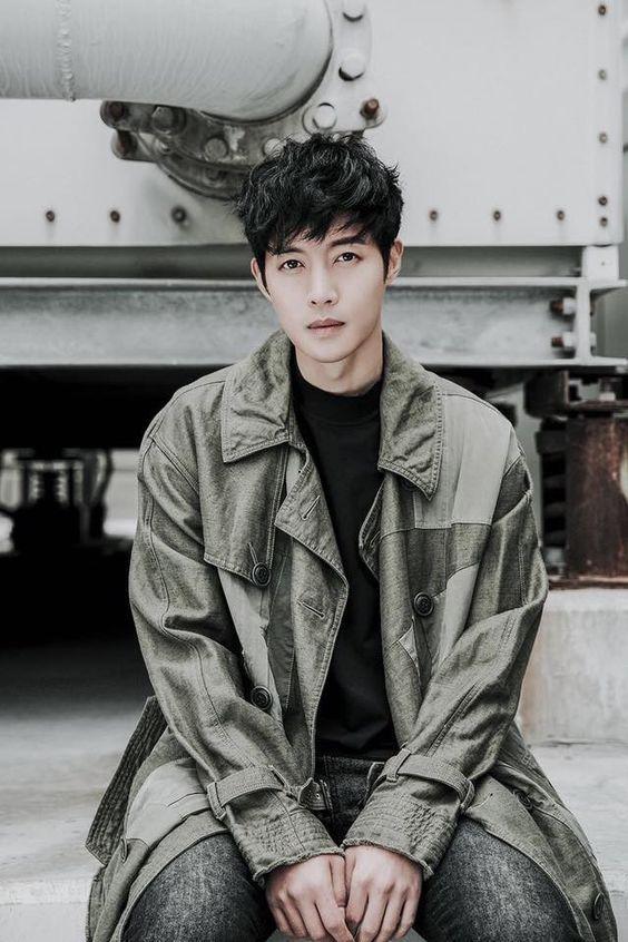 The Last Empress vừa kết thúc, cận vệ Choi Jin Hyuk liền tham gia dự án mới  Kim Hyun Joong làm người đồng tính? ảnh 5
