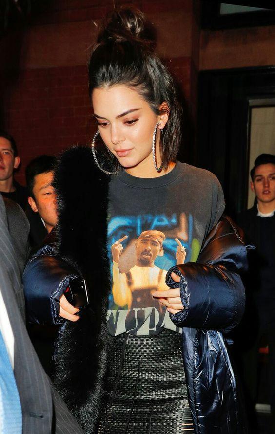 Kendall Jenner, Bella Hadid và Victoria Beckhammặc gì mà khiến cả thế giới chao đảo? ảnh 6