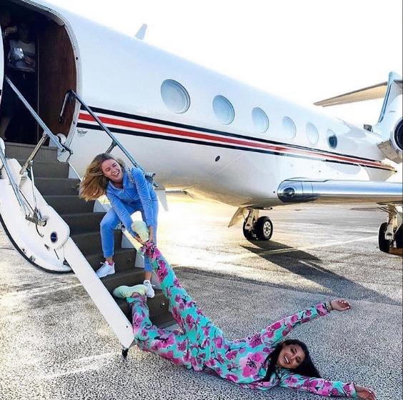 Khi bạn sắp ngủ gục nhưng vẫn phải lên máy bay về nhà cho kịp lễ Giáng sinh.