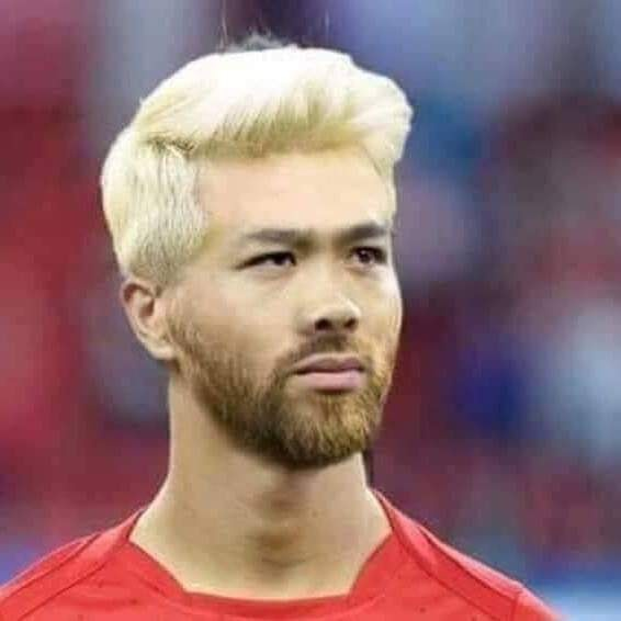 Công Phượng hài hước trong tạo hình của Messi với bộ râu và mái tóc điệu nghệ.