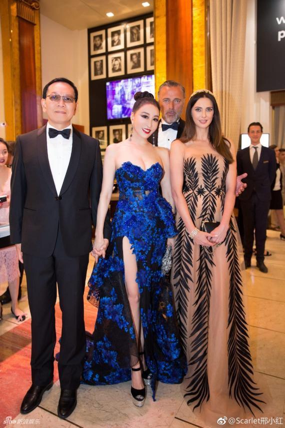 Hoa hậu Quý bà Trung Quốc đáp trả chỉ trích giả vờ té ngã để khoe ngực tại thảm đỏ Cannes 2018 ảnh 12
