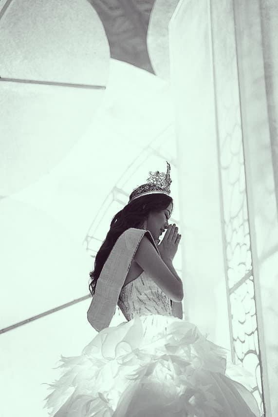 Khoảnh khắc chia tay nhiệm kỳ: Phương Khánh  HHen Niê xúc động mạnh, Hương Giang cầu toàn đáng nể phục ảnh 10