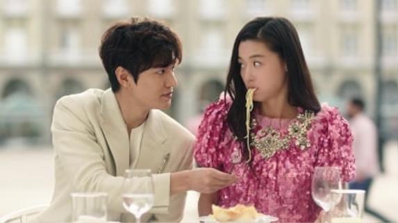 Quân vương bất diệt là một trong 6 bộ phim truyền hình ăn khách làm nên tên tuổi của Lee Min Ho ảnh 10