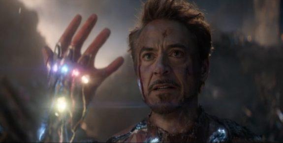 Bằng cách nào Iron Man có thể gỡ được sáu Viên đá Vô cực khỏi tay Thanos? ảnh 2