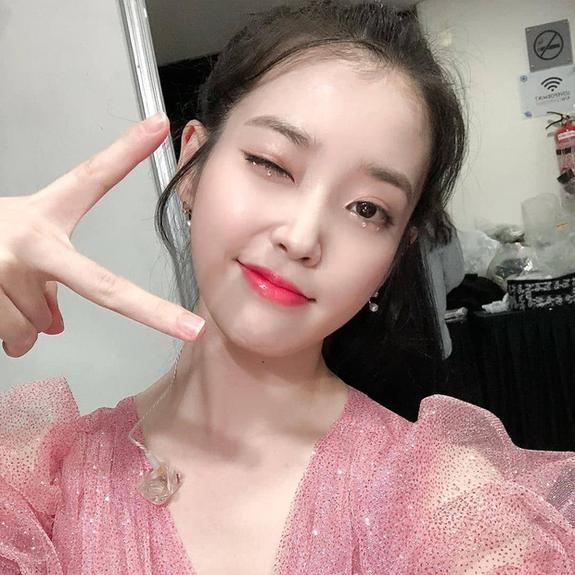 Liều lĩnh chọn phong cách make up chưa từng có tiền lệ tại Vbiz, Quỳnh Anh  vợ Duy Mạnh là cô dâu đi đầu xu hướng hot hit 2020 ảnh 8
