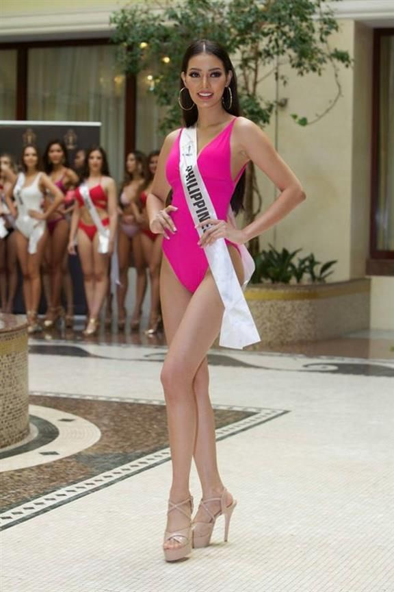 Tuy có chiều cao khiêm tốn nhưng mỹ nhân Philippines ghi điểm nhờ ba vòng cân đối. Chính phong thái trình diễn tự tin trong đêm chung kết đã giúp cô góp mặt trong danh sách những Hoa hậu có màn trình diễn áo tắm nóng bỏng nhất năm 2018.