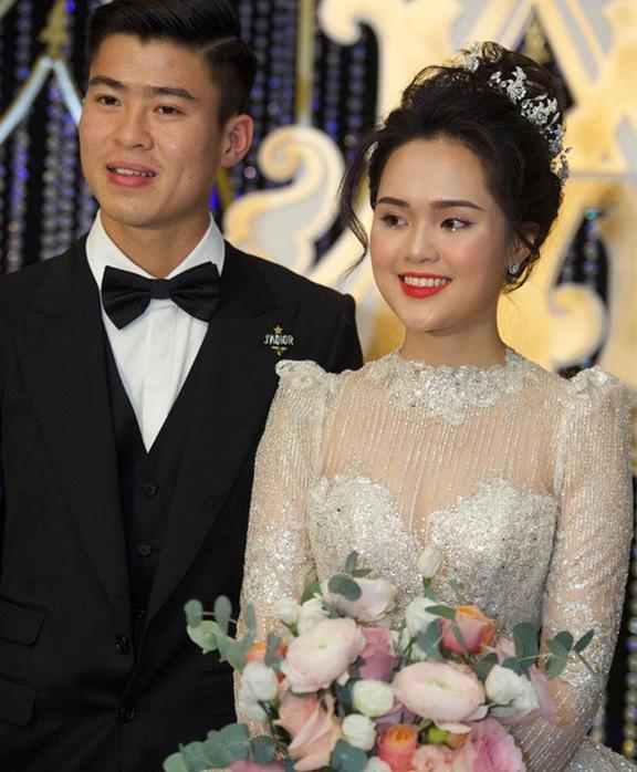 Liều lĩnh chọn phong cách make up chưa từng có tiền lệ tại Vbiz, Quỳnh Anh  vợ Duy Mạnh là cô dâu đi đầu xu hướng hot hit 2020 ảnh 7