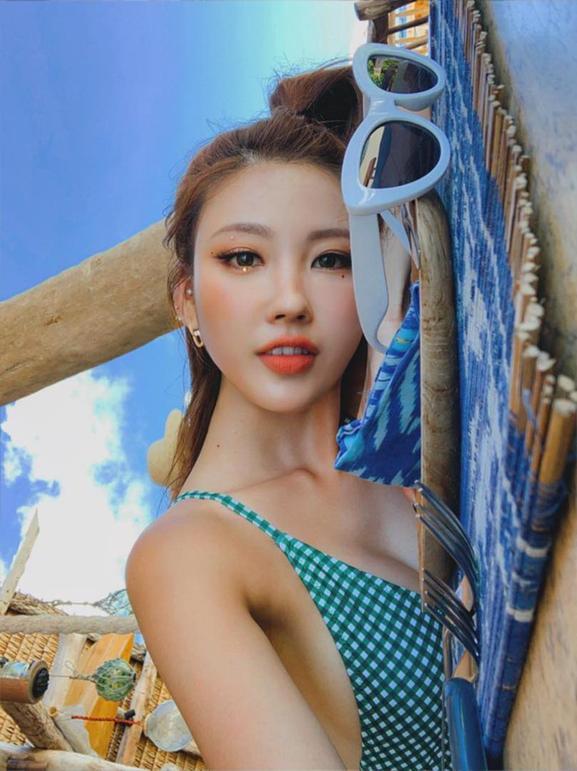 Liều lĩnh chọn phong cách make up chưa từng có tiền lệ tại Vbiz, Quỳnh Anh  vợ Duy Mạnh là cô dâu đi đầu xu hướng hot hit 2020 ảnh 10