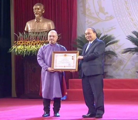 Nghệ sĩ Triệu Trung Kiên nhận danh hiệu NSND