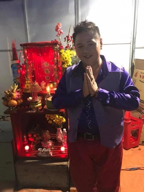 Hình ảnh Minh Béo đi diễn hội chợ tỉnh lẻ.