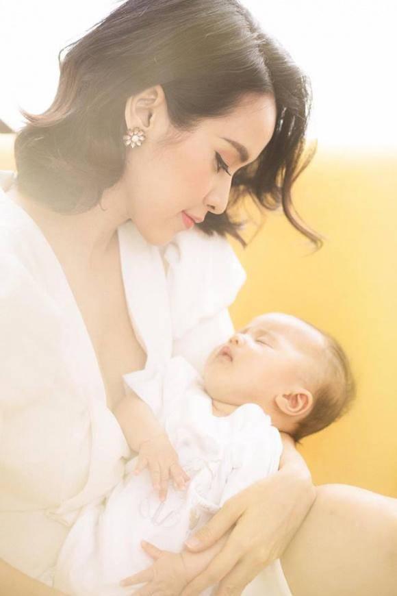 Con gái Tú Vi hiện tại được hơn 4 tháng tuổi.