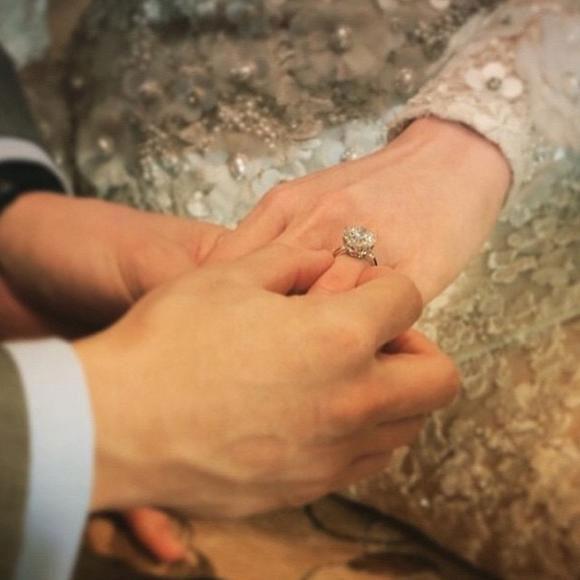 Những lễ cưới lộng lẫy, lung linh và ngập tràn hạnh phúc của sao Thái! ảnh 16