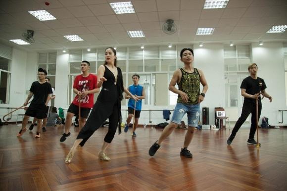 Bí quyết giữ dáng và nét tươi trẻ của Khánh Thi không gì khác ngoài việc luyện tập dancesport mỗi ngày