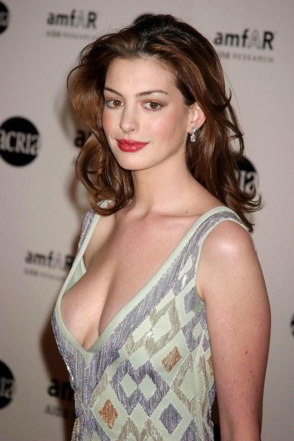 Hiện tại dù đã có chồng và 2 con nhưng Anne Hathaway vẫn là một nữ diễn viên nổi tiếng với ngoại hình sắc sảo, quyến rũ