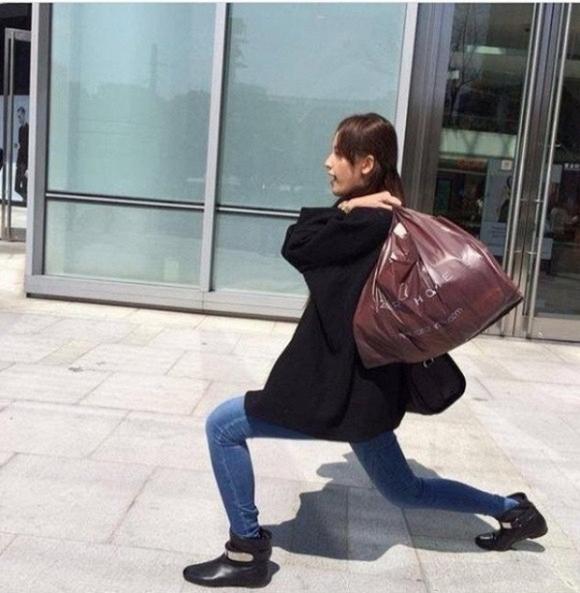 """Hoa hậu Mai Phương Thúy là """"bậc thầy"""" trong khoản đăng ảnh """"dìm hàng"""", lầy lội lên mạng xã hội."""