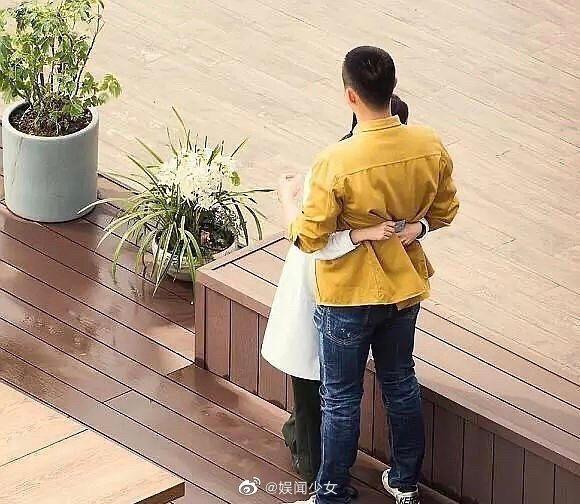 Ảnh hậu trường Quân trang thân yêu được tiết lộ: Hoàng Cảnh Du lan tỏa sức hút của người bạn trai, ngọt ngào và cool ngầu ảnh 7
