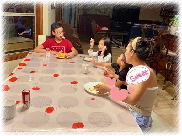 Nữ ca sĩ đăng tải hình ảnh ăn sáng cùng các con sau sự cố để trấn an sự lo lắng của người hâm mộ