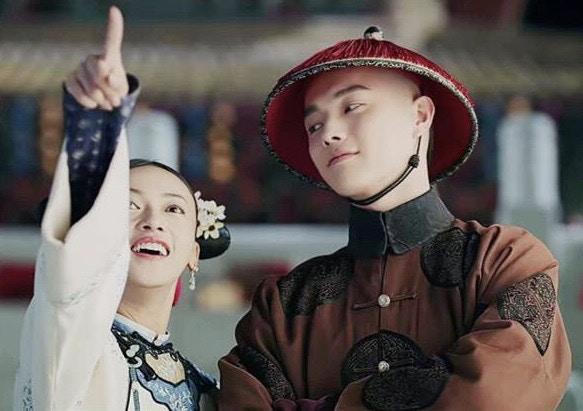 Thuở xưa có ngọn núi Linh Kiếm: Hứa Khải, Trương Dung Dung tiếp nối mối tình sư đồ trong Hoa thiên cốt ảnh 2