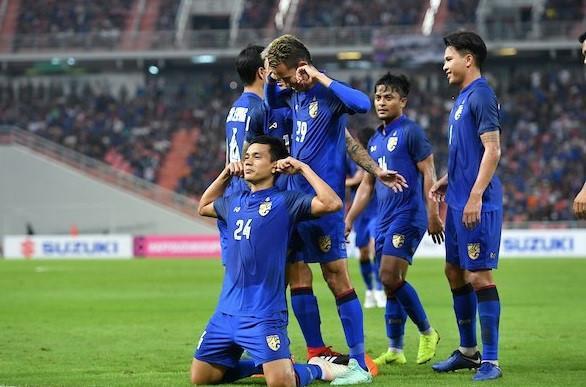 Thái Lan may mắn có 1 điểm trước Philippines.