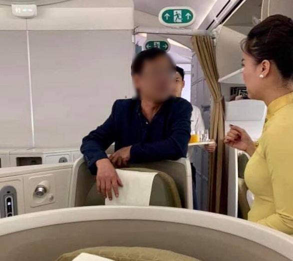 Nam hành khách đi hạng thương gia bị tố có hành vi quấy rối trên chuyến bay VN 253.