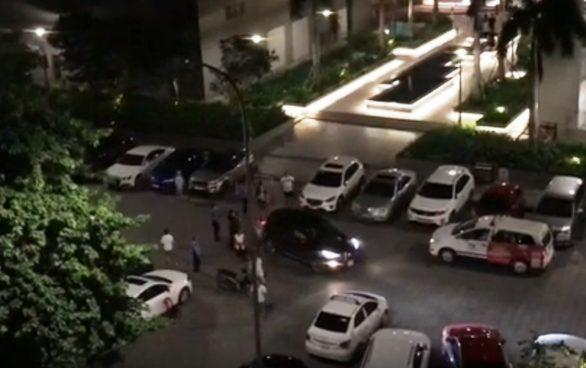 Vụ việc xảy ra tại bãi đậu xe chung cư Gold View – Ảnh: Cắt từ clip
