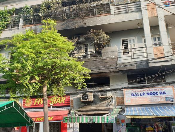 Cháy căn nhà ở quận 7 (TP.HCM) khién 3 người tử vong. Ảnh: Tuổi Trẻ
