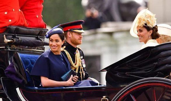 Khi Harry đính hôn cùng Meghan, anh mong chờ được Kate chúc phúc.