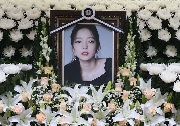 Nữ ca sĩ Goo Hara qua đời tại nhà riêng hôm 24/11 do tự tử. Ảnh chụp màn hình SCMP