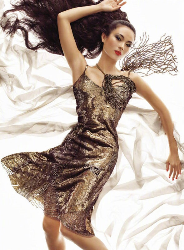 Những nữ minh tinh Trung Quốc xuất hiện trên tạp chí Vogue (Mỹ) được khen gợi đẹp như tranh ảnh 13