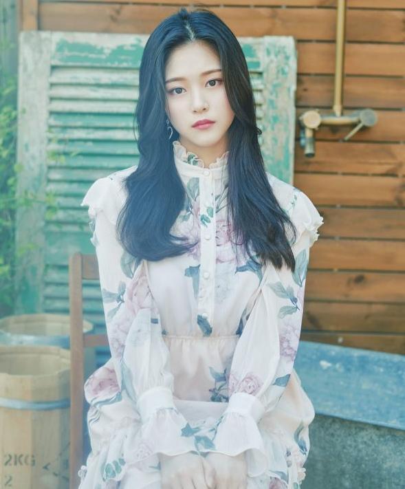 29 thần tượng Hàn sinh năm 2000 sở hữu vẻ ngoài đáng yêu khó cưỡng ảnh 19