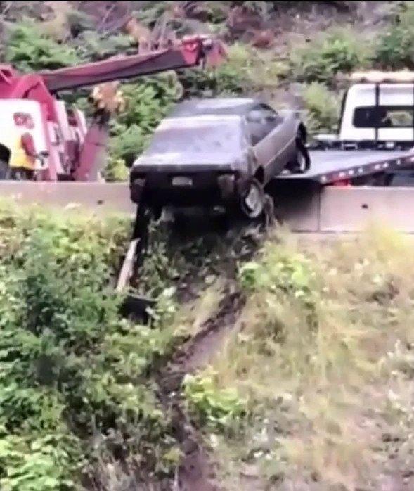 Sau 3 ngày, đội Cảnh sát Hoàng gia Canada đã trở lại hiện trường và ghi nhận đó là thi thể của một người phụ nữ mất tích vào năm 1992 nằm bên trong chiếc xe.