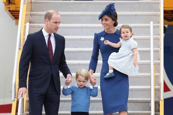 Quy định này nhằm bảo đảm rằng hoàng gia Anh sẽ luôn có người thừa kế trong trường hợp tai nạn máy bay xảy ra.
