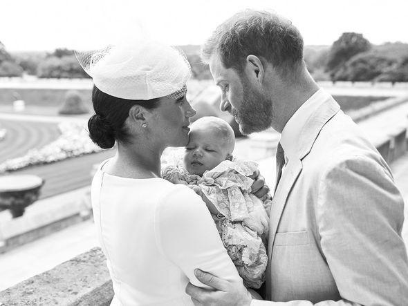 Bé Archie sẽ được Nữ hoàng giám hộ nếu cha mẹ gặp chuyện không may.