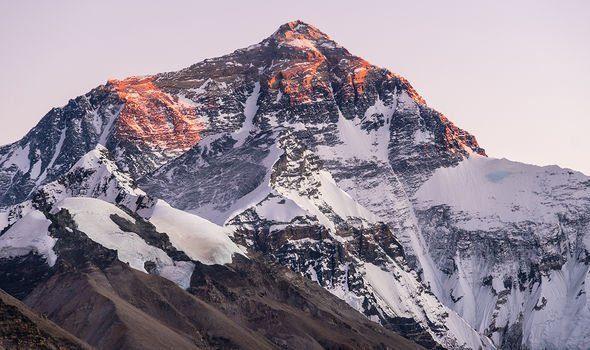 Đến nay, vẫn không ai biết liệu Mallory có thành công chạm đến đỉnh Everest hay chưa.