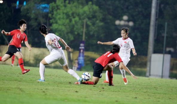 Chung cuộc, 4 đội giành quyền vào VCK cùng U19 Nhật Bản, CHDCND Triều Tiên, Trung Quốc và Thái Lan là: U19 Australia (Nhất bảng A), U19 Myanmar (Nhì bảng A), U19 Hàn Quốc (Nhất bảng B), U19 Việt Nam (Nhì bảng B).
