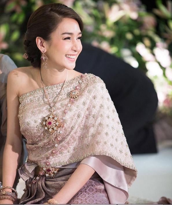 Những lễ cưới lộng lẫy, lung linh và ngập tràn hạnh phúc của sao Thái! ảnh 37